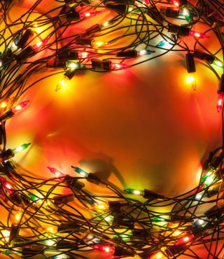 christmas-lights-PJCGWNR-1024x736
