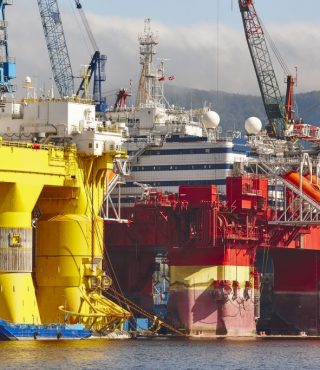 oil-and-gas-platform-in-norway-energy-industry-P6UXTD4-1024x683